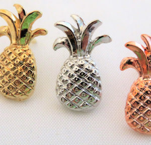 Small Pineapple Pin